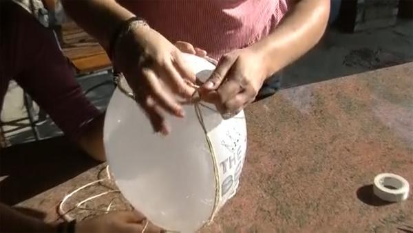 DIY φωτιστικό από σπάγκο - 4