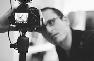 Ματ Γκρέιντζερ: Ο τύπος με τη Nikon